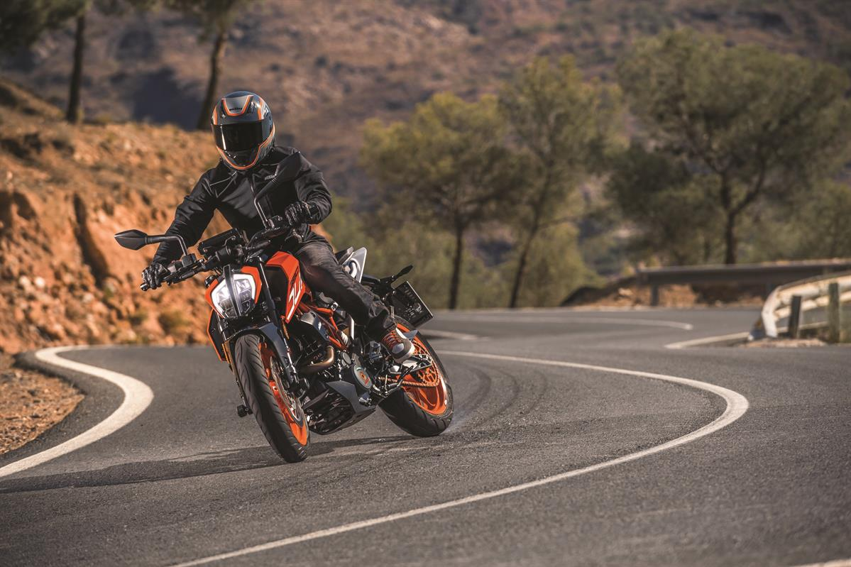 KTM 390 Duke MY17_Action